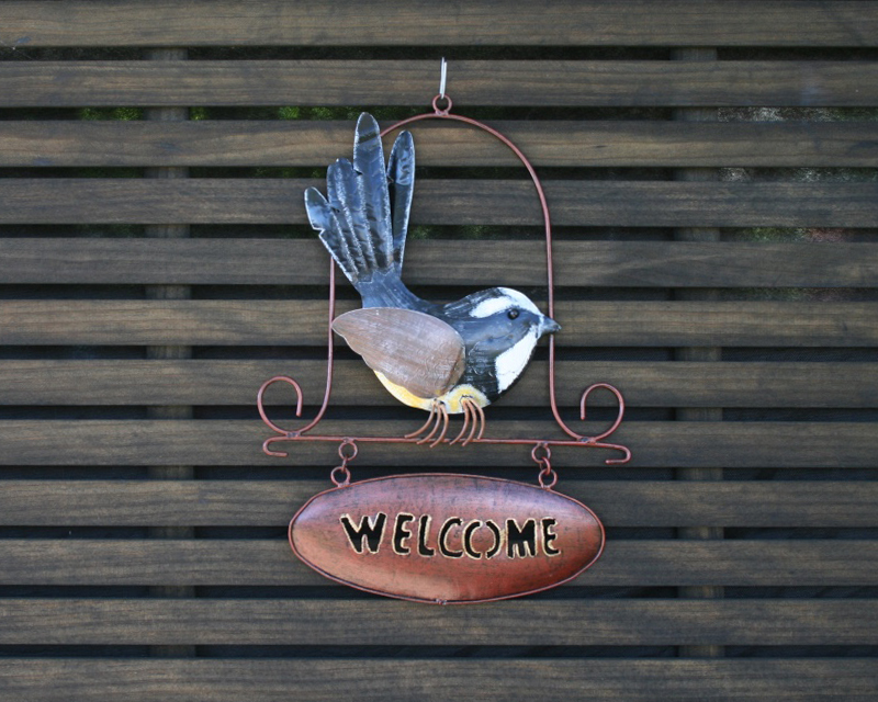 Metal fantail welcome sign
